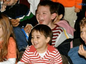 Bambini felici ad un compleanno con Mago Leo