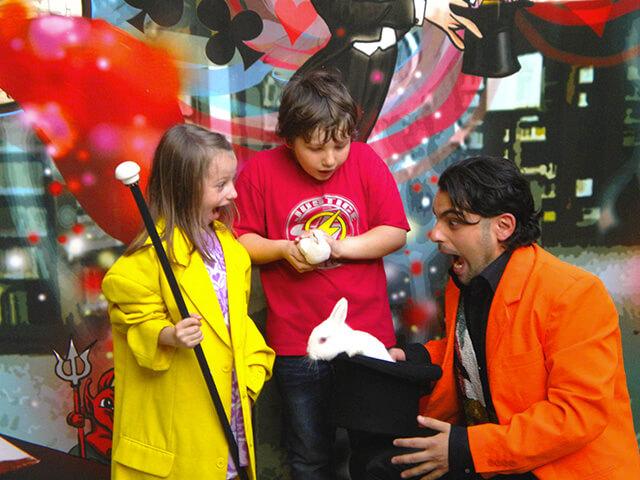 Mago per bambini Milano, il prestigiatore per la festa