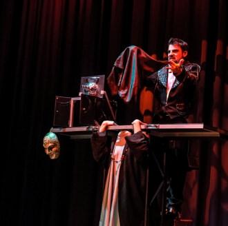 teatro illusione prestigiatore illusionista