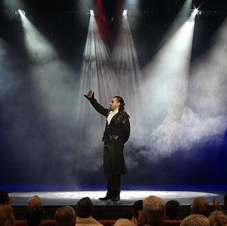 teatro illusione spettacoli illusionista