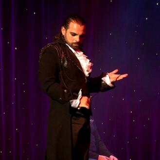 teatro prestigiatore illusionista leonardo carrassi
